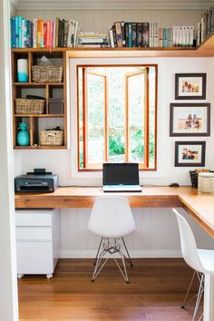 Contemporary Home Office Design Ideas - Search photos of contemporary home offices. Discover ideas for your trendy home office design with ideas for decor, storage as well as furniture. Home Office Layouts, Home Office Organization, Home Office Space, Home Office Desks, Office Ideas, Office Designs, Organization Ideas, Office Workspace, Small Office Storage