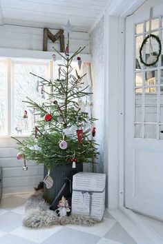 love the idea of putting a fresh tree in a big bucket or pot or something and I LOVE the floor!
