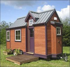 Looking to downsize? Take a peek at this craftsman style tiny house on wheels at HGTV. Small Tiny House, Tiny House Living, Tiny House On Wheels, Tiny House Design, Small House Plans, Cozy House, Tiny House Movement, Tiny House Exterior, Little Houses