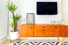 House Tour: Sisters Share a Layered Mix in South London | Apartment Therapy