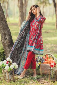 Ethnic Lawn and Dress Collection Stylish Dresses For Girls, Stylish Dress Designs, Dress Neck Designs, Designs For Dresses, Simple Dresses, Casual Dresses, Eid Dresses, Beautiful Pakistani Dresses, Pakistani Dresses Casual