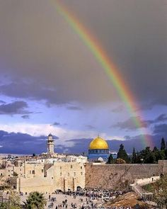 Wailing Wall and Dome of the Rock in Jerusalem, Israel Caroline C. ❦ - janina - - Wailing Wall and Dome of the Rock in Jerusalem, Israel Caroline C. Jerusalem Israel, Israel Palestine, Heiliges Land, Dome Of The Rock, Western Wall, Les Religions, Israel Travel, Israel Trip, Holy Land