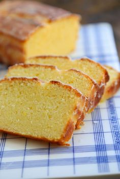 Cake ultime au citron de la cuisine de Bernard , Fantastic lemon cake | On dine chez Nanou