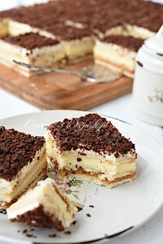 Shortbread caramel cream slices – recipe – Famous Last Words Dessert Sauces, Dessert Recipes, Short Bread, Delicious Desserts, Yummy Food, Gluten Free Snacks, Polish Recipes, Cream Cake, Sweet Tooth