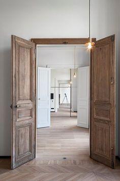 White Internal Doors, Interior Barn Doors, Wood Doors, Door Design, Cheap Home Decor, Windows And Doors, French Doors, Home Remodeling, Building A House