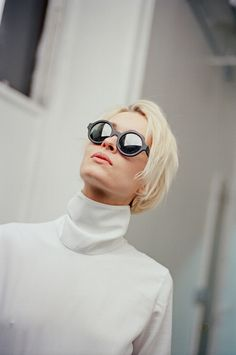 Silver Mirrored Sunglasses. Reflective Lenses. #sunnies #shades Fashion accesories