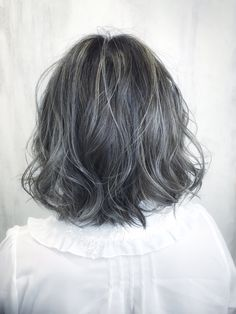 Grey Hair Inspiration, Transition To Gray Hair, Hair Straightening Iron, Aesthetic Hair, Hair Color Balayage, Grunge Hair, Silver Hair, Pretty Hairstyles, Dyed Hair