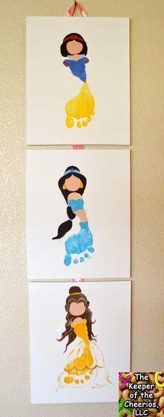 Princess Footprints 2 Princess Footprints …Snow White Footprint, Jasmine Footprint (Aladdin Footprint), Belle Footprint (Beauty and the Beast Footprint) Disney Baby Crafts, Cute Crafts, Toddler Crafts, Crafts To Do, Crafts For Kids, Toddler Art, Disney Crafts, Disney Art, Disney Princess Crafts