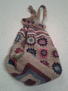 Gorgeous crocheted bag...pattern from hookedbydesign.co.uk