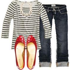 Rolled jeans, stripes and red flats. Get me some red flats! Looks Style, Style Me, Simple Style, Classy Outfits, Casual Outfits, Outfits With Red Shoes, Red Flats Outfit, Rolled Jeans, Cuffed Jeans