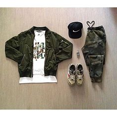 Outfit grid - Camo joggers