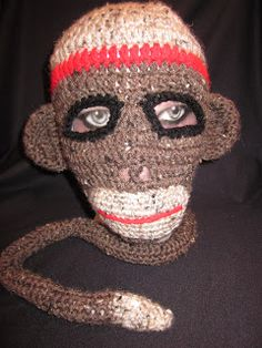 What a great ski mask.  That would turn some eyes.