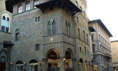 Palazzo dell'Arte della lana: gli affreschi, l'architettura e le Lecturae Dantis