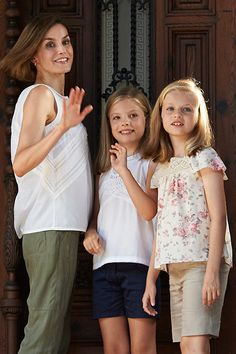 Queen Letizia of Spain puts on brave face on family holiday