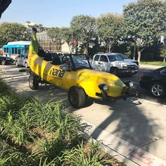 Yes! The @eatbarnana car was spotted in Harbor Road! #expowest #naturalproductsexpowest #barnana #naturalproducts  #expowestfinds