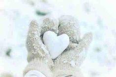 #heart #snowball #christmas #lettersfromsanta http://www.fatherchristmasletters.co.uk/letter-from-santa.asp