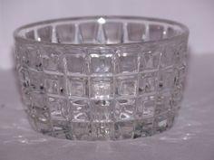 Four little vintage diamond pattern bowls by TheCornerVintageShop, $15.00