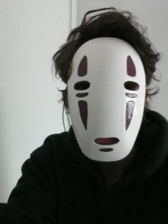 Spirited away no-face mask cosplay by Ferux95.