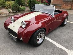 1961 Austin Healey Frogeye Sprite Special little car! For Sale (picture 4 of 6 1961 Austin Healey Frogeye Sprite Special little car! For Sale (picture 4 of 6 Vintage Sports Cars, British Sports Cars, Classic Sports Cars, Retro Cars, Vintage Cars, Austin Cars, Classic Cars British, Austin Healey Sprite, Cars Uk