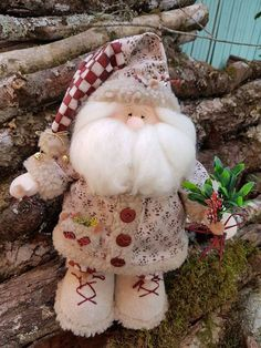 Like the hat detail with the twine bow and bell Christmas Elf Doll, Christmas Fabric, Felt Christmas, Christmas 2019, All Things Christmas, Handmade Christmas, Christmas Crafts, Christmas Decorations, Christmas Ornaments