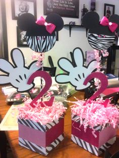 Minnie Mouse Birthday Centerpieces.. Love these!! Use tin cans instead