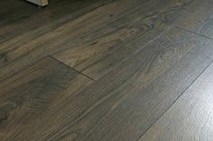 Homemade Floor Polish Recipe to Restore Shine to Wood Shine Laminate Floors, How To Clean Laminate Flooring, Diy Wood Floors, Cleaning Wood Floors, Clean Hardwood Floors, Linoleum Flooring, Homemade Wood Floor Cleaner, Hardwood Floor Cleaner, Plank