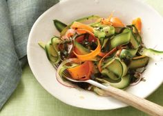 Wakame Salad with Cucumber and Carrots