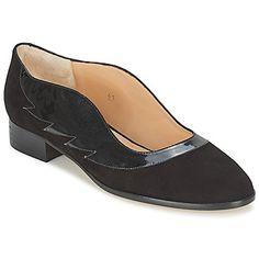 He aquí un mocasín de Minna Parikka que no podremos dejar de lado esta temporada. Su corte en piel tiene un color negro, uno de los tonos de la temporada. La marca utiliza una suela cuero y un forro en cuero. Para un mayor bienestar, Minna Parikka lo ha diseñado con una plantilla en cuero. Este mocasín conquistará a los adeptos del estilo clásico.#mocasines #zapatos #mujer #atrevete #spartoo #moda http://www.spartoo.es/Minna-Parikka-WING-IT-x405827.php