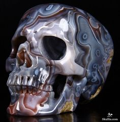 Apr 2015 ACSAD (A Crystal Skull a Day) - Syzygy - Fine Gemstone Mozambique Agate Carved Crystal Skull Sculpture Crystal Skull, Skull Art, Rocks And Minerals, Fossils, Stones And Crystals, Skulls, Agate, Fantasy Art, Objects