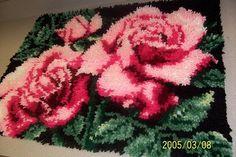 Roses latch hook rug