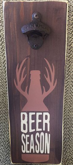 Wooden beer bottle opener with deer paint by SweetPeaInAPodDesign / Ouvre - bouteille, décapsuleur mural en bois dessins bois de cerf