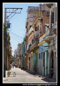 Real Cuba - Havana streets by Andrew Wragg, via Flickr