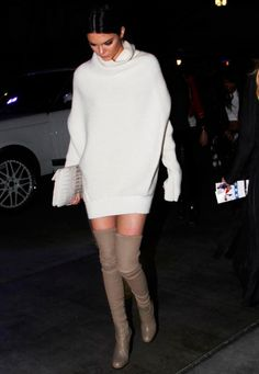 kendall jenner aposta em sweater dress com otk boots