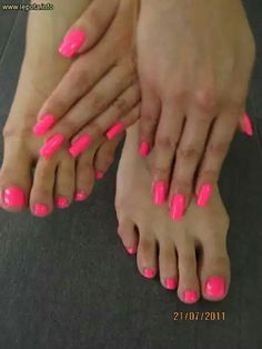 Pink nails toe nail color, toe nail art, cute nail polish, nail p Pink Toe Nails, Painted Toe Nails, Bright Pink Nails, Toe Nail Color, Feet Nails, Nail Colors, My Nails, Long Nails, Cute Nail Polish