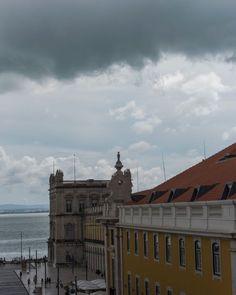 Lisboetas Rio, Louvre, Building, Travel, Clouds, Lisbon, City, Tejidos, Voyage