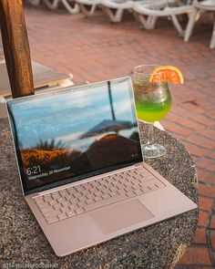 Microsoft Surface, Laptops For College Students, Laptop For College, Apple Laptop, Notebooks, Laptop Brands, Surface Laptop, Surface Computer, Pink Laptop