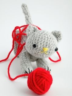 Free Amigurumi Kitten Pattern on Cut Out and Keep at http://www.cutoutandkeep.net/projects/crazy-kitten