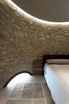 A new life for a little tower pr.aledolci&co ©martina mambrin #architecture #interiors #photography #gardalake #bedroom