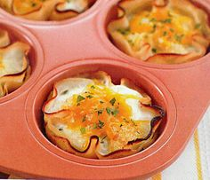 The Biggest Loser's Baked Eggs in Turkey Cups - delish and SO healthy! He said they were filling but he left the table feeling healthy and that he didn't eat too much. Healthy Cooking, Healthy Snacks, Healthy Eating, Cooking Recipes, Healthy Recipes, Egg Recipes, Pumpkin Recipes, Cooking Tips, I Love Food