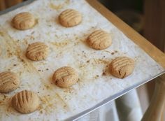 Coco-Nut Shortbread Buttons (dairy-free, vegan, gluten-free, naturally ...