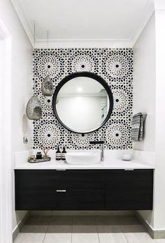 - Modern Interior Designs - In this Melbourne bathroom, a Moroccan inspired Schumacher wallpaper called Nasr. In this Melbourne bathroom, a Moroccan inspired Schumacher wallpaper called Nasrid. Diy Bathroom, Bathroom Renos, Monochrome Bathroom, Interior, Home, Bathroom Interior, Modern Bathroom, White Bathroom, Bathrooms Remodel