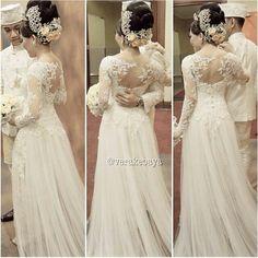 kebaya wedding... Elegant Wedding Gowns, Lace Weddings, Dream Wedding Dresses, Bridal Dresses, Bridesmaid Dresses, Vera Kebaya, Kebaya Lace, Kebaya Wedding, Wedding Bride