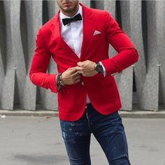 Red Shirt Outfits, Red Blazer Outfit, Blazer Outfits Men, Red Shirt Dress, Mens Fashion Wear, Gents Fashion, Smart Casual Menswear, Men Casual, Blazer With Jeans Men