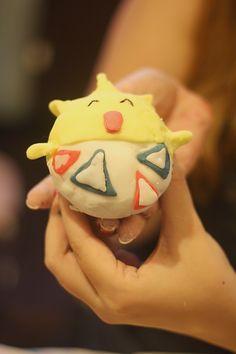 Togepi Pokemon cupcake cake