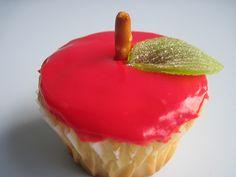 Apple cupcake. Perfect for teachers!