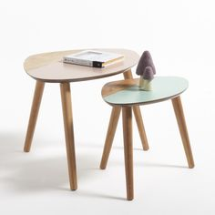 These contemporary and original tables look great as a nest of tables or individually and will be right at home as a side table or occasional tableFeatures:Oak veneer MDF with a nitro-cellulose lacquered finish.Solid oak legs.self-assembly requiredSize:Table 1: Width: 60cm, Height: 40.2cm, Depth: 43cmTable 2: Width: 47cm, Height: 34.5cm, Depth: 30cmHome Delivery available