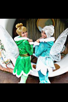next time, I WILL meet the other. ^_^ * Born of the same laugh! Tinker bell and Periwinkle Tinkerbell And Friends, Disney Fairies, Disney Magic, Disney Jokes, Disney Parks, Walt Disney, Diy Costumes, Halloween Costumes, Costume Ideas