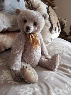 FRANCOISE By Kaz Bears - Bear Pile