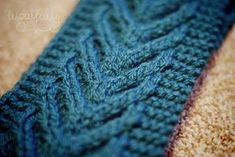 Woolfully.com - Free pattern instructions - chevron cable knit headband.