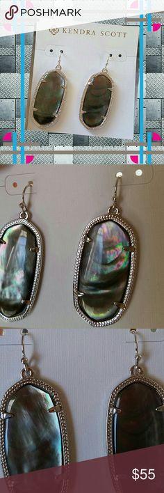 New Kendra Scott Elle Earrings Black MOP /Silver Brand New KendraScottElle Earrings with Silver Metal Frames and Black Mother of Pearl Stones. Kendra Scott Jewelry Earrings